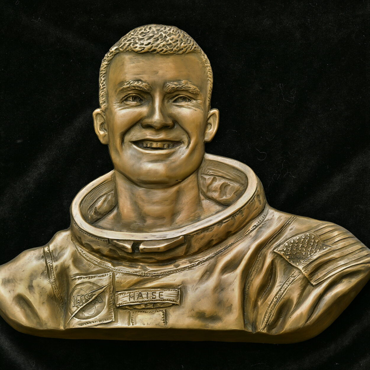 Sutton Betti, NASA portrait relief, Fred Haise relief, clay for bronze, Sutton Betti sculpture, Stennis Space Center, Mississippi